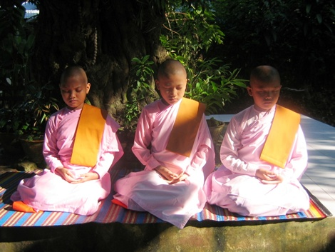 nuns in meditation